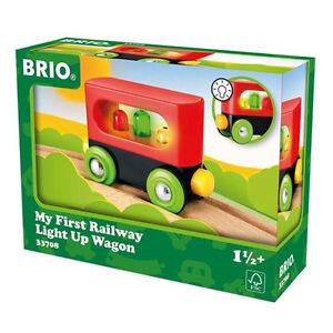Brio-Tren-de-madera-Mein-primer-Vagon-con-luz-33708-Novedad