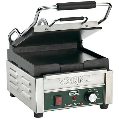 Waring WFG150 9.75in x 9.25in Flat Sandwich Panini Grill 120v