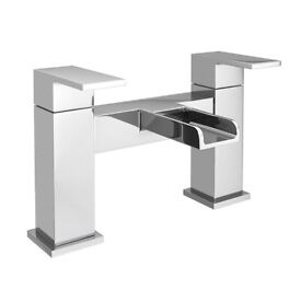 Plaza waterfall modern bath tap