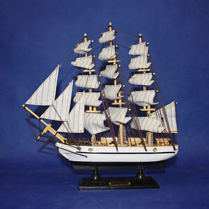 1 x 52CM Vintage U.S.S Constitution Wooden Sailing Boat Ship Model AB2094TG