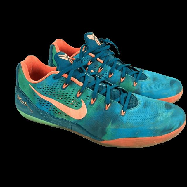 Nike Kobe 9 EM Low Peach