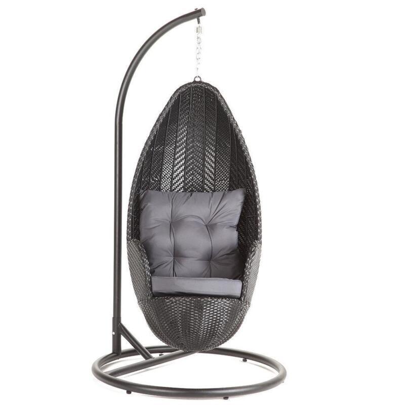 Holz Hängesessel mit Metall Gestell   Concept Suspendu von William Lalasseux