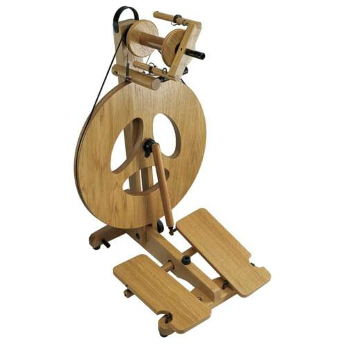 Louet Victoria Spinning Wheel - Oak - FREE Shipping