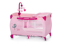 BRAND NEW DELUXE TRAVEL COT IN BIRDIE PINK WITH TWO LEVELS SUITABLE FROM BIRTH TO 15kg with mobile