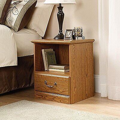 منضدة جانب السرير جديد Sauder 401290 Orchard Hills Night Stand Carolina Oak Finish NEW