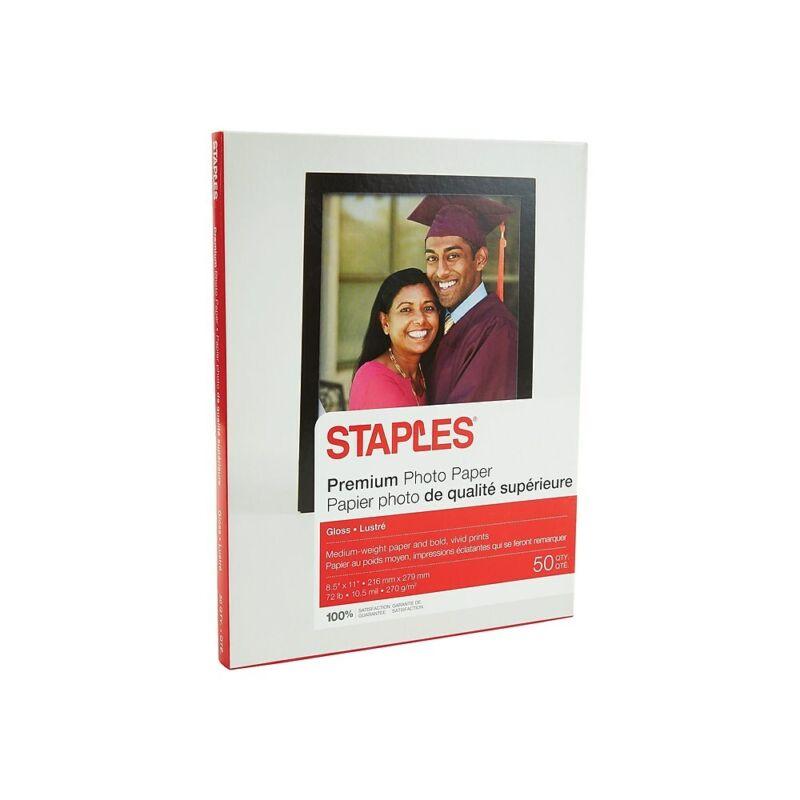"""Staples Premium Glossy Photo Paper 8.5"""" x 11"""" 50/Pack (19899-CC)"""