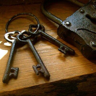 Vorhängeschloss für ein Burgtor wie antik - Truhenschloss+Schlüssel