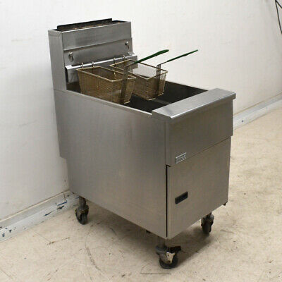 Pitco Sg18-s Natural Gas 140k Btu 75 Lb Stainless Steel Floor Fryer With Casters