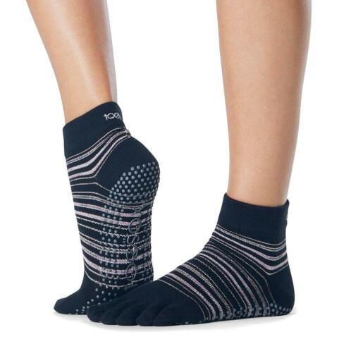 Toesox Ankle Grip Socks teensokken Zwart/Rose - 36-38
