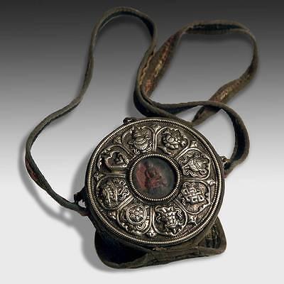 ANTIQUE GAO PRAYER BOX AND COVER SILVER ASHTAMANGALA TSATSA NEPAL TIBET BUDDHIST
