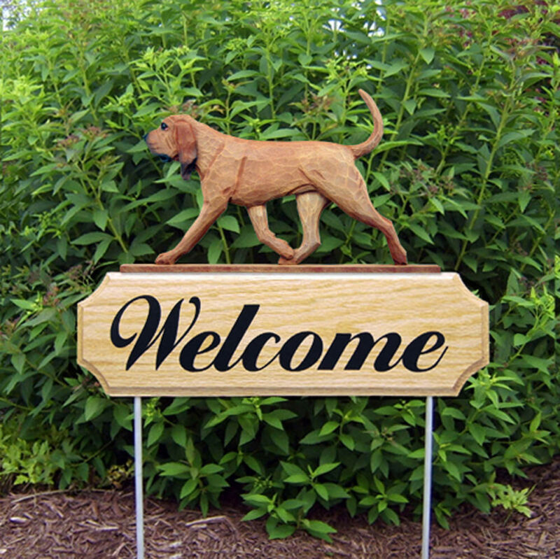 Bloodhound Wood Welcome Outdoor Sign Red