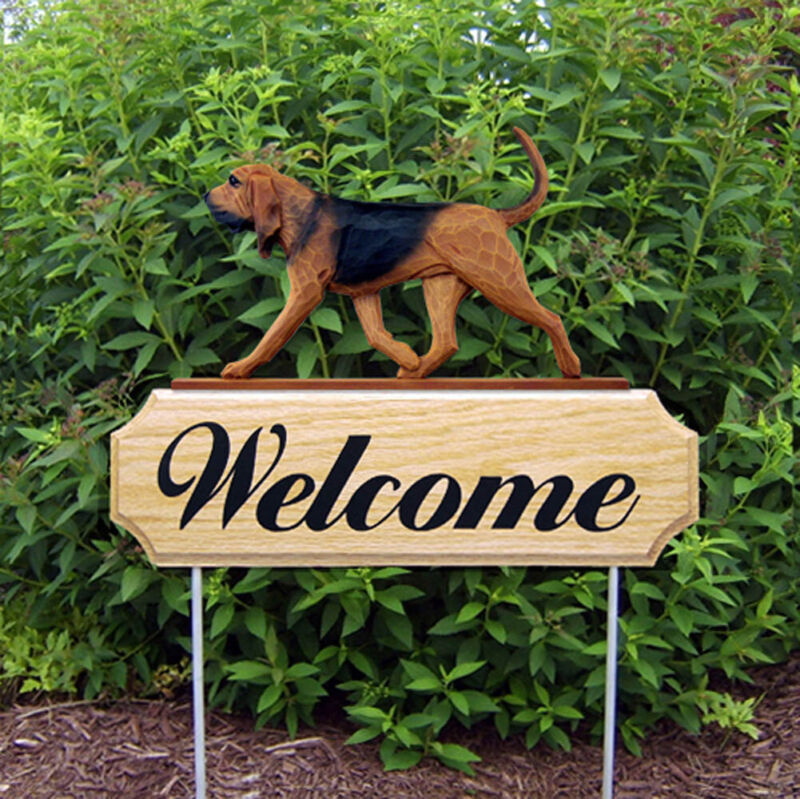 Bloodhound Wood Welcome Outdoor Sign Red/Black