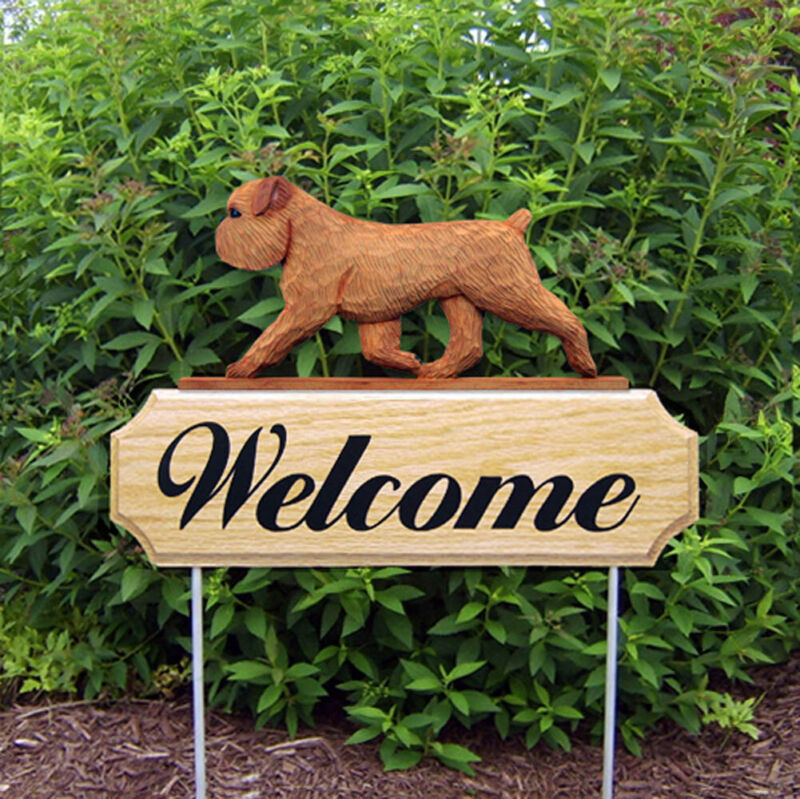 Brussels Griffon Wood Welcome Outdoor Sign Red/Brown Uncropped