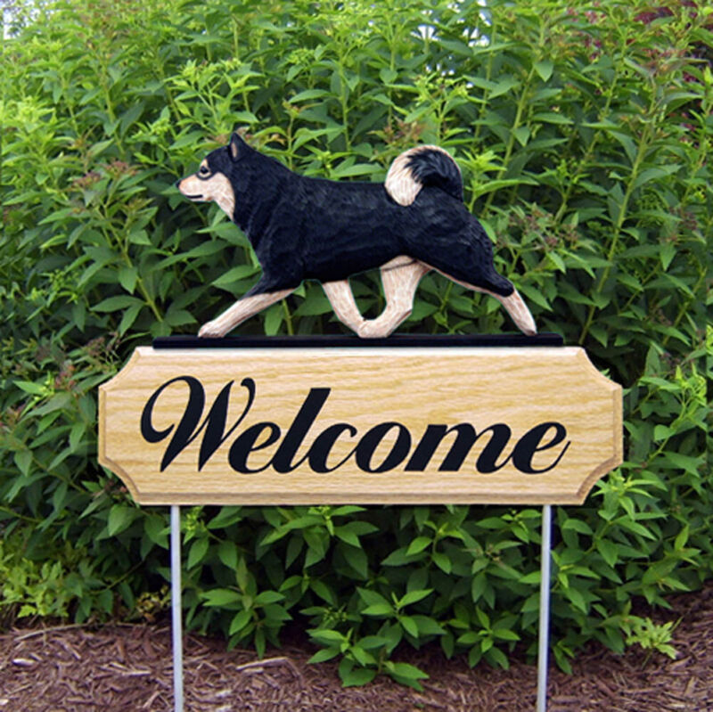 Shiba Inu Wood Welcome Outdoor Sign Black/Tan