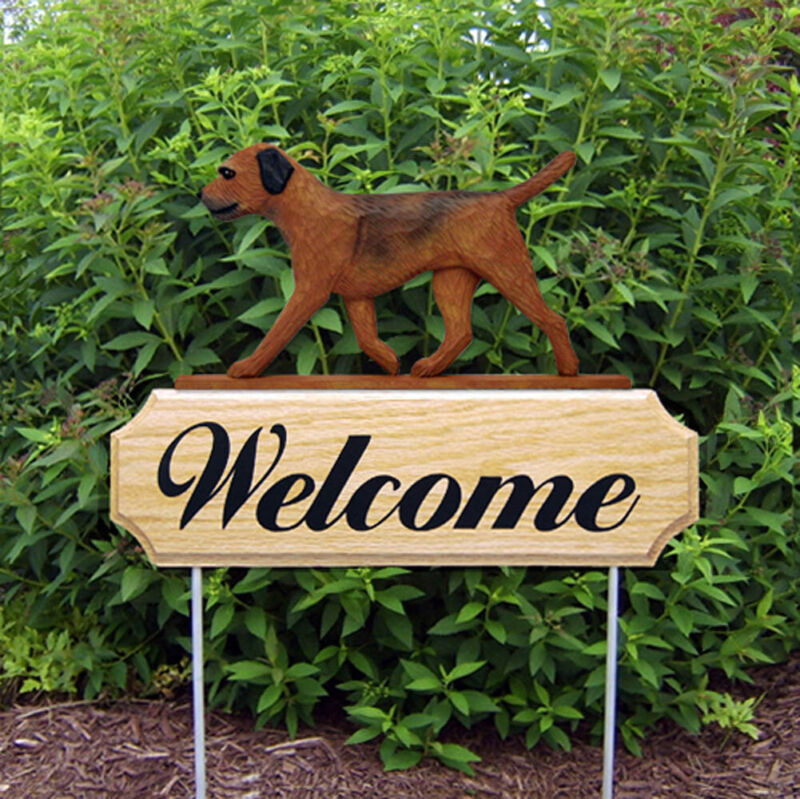 Border Terrier Wood Welcome Outdoor Sign Red/Brown