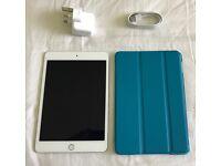 Apple iPad mini 4 - 32GB - silver (latest one)