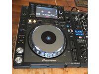 Pair of cdj 2000 nexus with djm 900 nexus