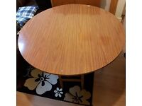 Tabel and bed for sale