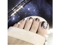 False toenails