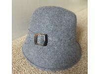 Ladies M & S Grey Hat - Size Small - Medium