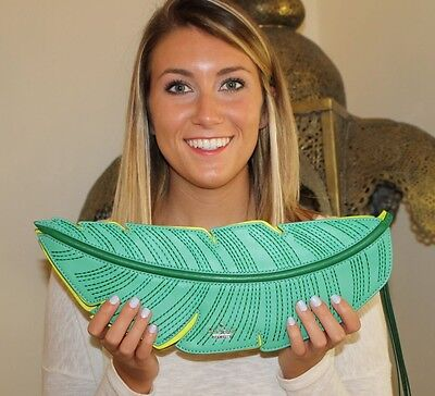 - NWOT Kate Spade Bananas Leaf Green Leather Flight of Fancy Clutch BEAUTIFUL!!