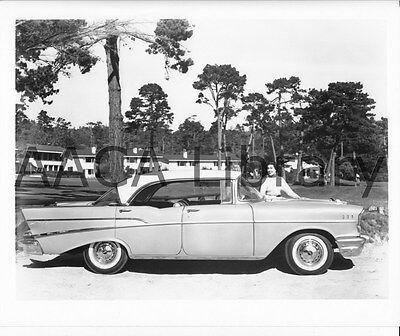 - 1957 Chevrolet Bel Air Sport Sedan, Golf Course, Factory Photo (Ref. # 31543)