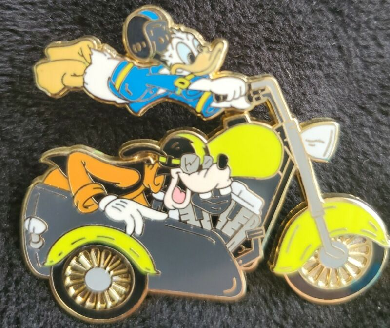 Disney Donald Duck & Goofy on a Motorcycle Sidecar LE 250 Pin