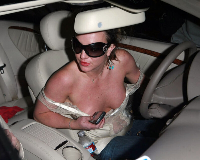 BRITNEY SPEARS 8X10 PHOTO PICTURE SEXY HOT CANDID 35