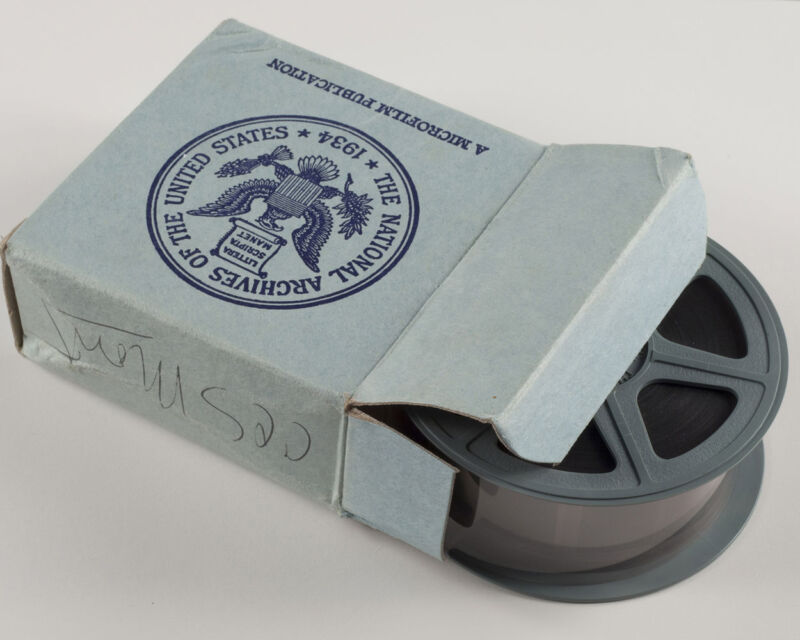 Microfilm scanning digitize convert 16/35 mm to PDF JPG other image types