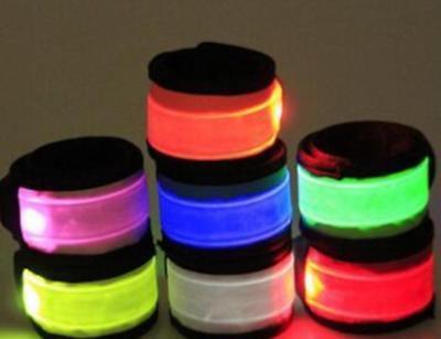 SLAP WRISTBAND FLASH LED BRACELET armband Light glow running night safety gear](Night Running Gear)