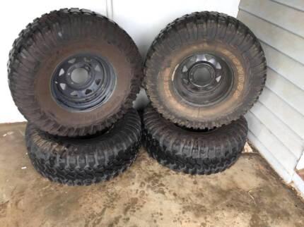 33x12.5 inch Mud Tyres, on 15 inch rim, 6 stud wheel pattern