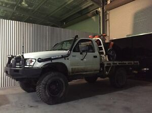2005 toyota hilux Jesmond Newcastle Area Preview