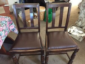 Dining table & 6 chairs (4 matching) Strathpine Pine Rivers Area Preview