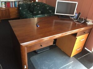 Solid timber study/office desk Glendenning Blacktown Area Preview