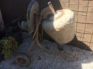 Concrete mixer Coorparoo Brisbane South East Preview