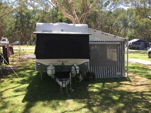 Caravan Singleton Singleton Area Preview