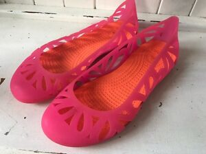 Pink CROCS Ballet Flats/ Shoes* size 7 W Benowa Gold Coast City Preview