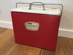 1950's metal Malleys Esky - portable cooler Seaforth Manly Area Preview