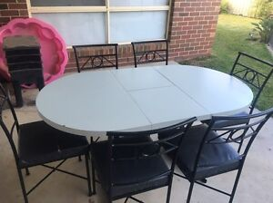 4 or 6 extension dining table Echuca Campaspe Area Preview