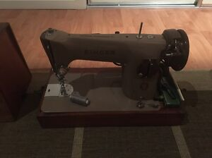 Singer sewing machine 201k Highland Park Gold Coast City Preview