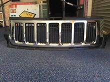*****2013 JEEP GRAND CHEROKEE WK  FRONT GRILLE Arundel Gold Coast City Preview