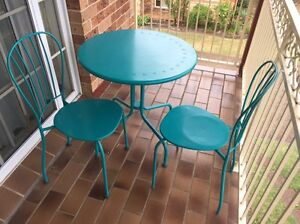 Garden table and 2 chairs Taren Point Sutherland Area Preview