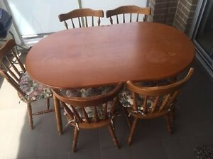 Table with chairs Arncliffe Rockdale Area Preview
