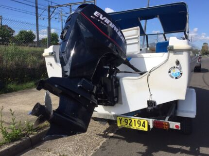 Mustang  17 ft boat with 115 hp evinrude  ETEC 2007