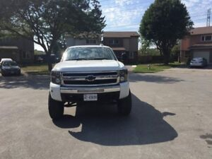 2009 Chevrolet silverado LT new brakes, water pump, and more