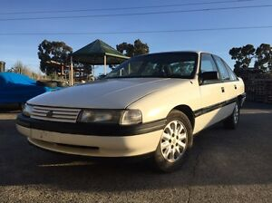 Vn 5ltr manual 5speed rwc and club reg membership included Bundoora Banyule Area Preview