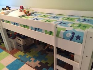 Kids beds( 2 sets of bed, drawers and pull out desk) Maroubra Eastern Suburbs Preview