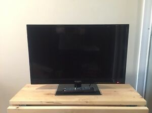 "Kogan 28"" inch LED flat screen TV - built in DVD player. Milton Brisbane North West Preview"