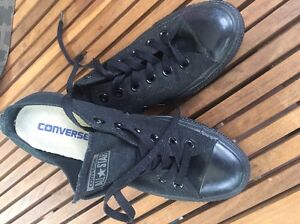 Chuck Taylor's converse black low top Hornsby Hornsby Area Preview