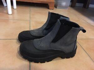 Waterproof boots Adamstown Newcastle Area Preview